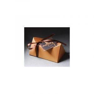 caja triangular con bombones