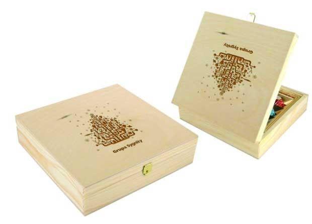 caja de madera con bombones