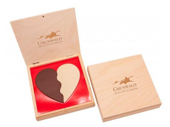 bombon corazon dos chocolates